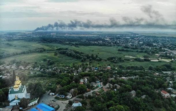 В Сумской области два дня горит мусорный полигон