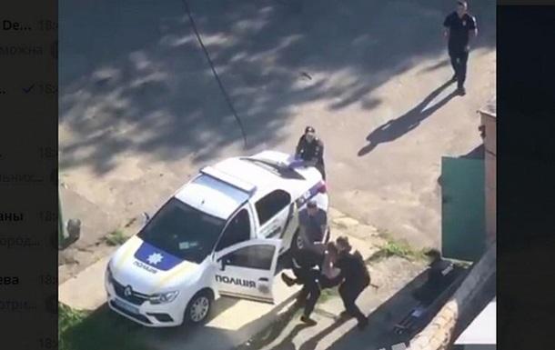 У Білій Церкві бійку поліцейських зняли на відео