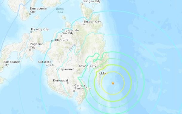 Біля берегів Філіппін оголосили загрозу цунамі