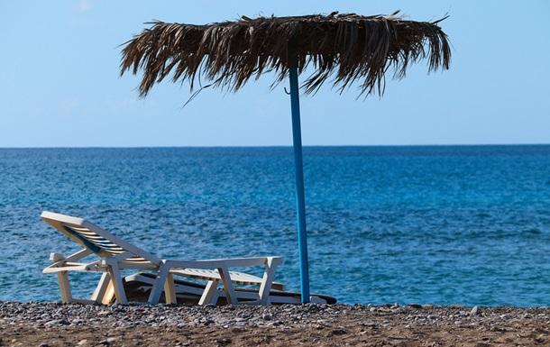 На пляжі в Одесі чоловікові проломили череп через шезлонг