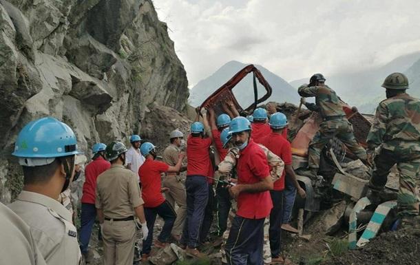 В Індії під час сходження обвалу загинули 13 людей