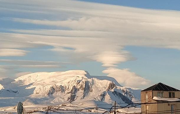 Українські полярники зняли незвичайні хмари