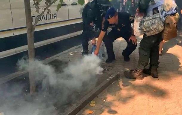 Глава МВС прокоментував протести біля ОП