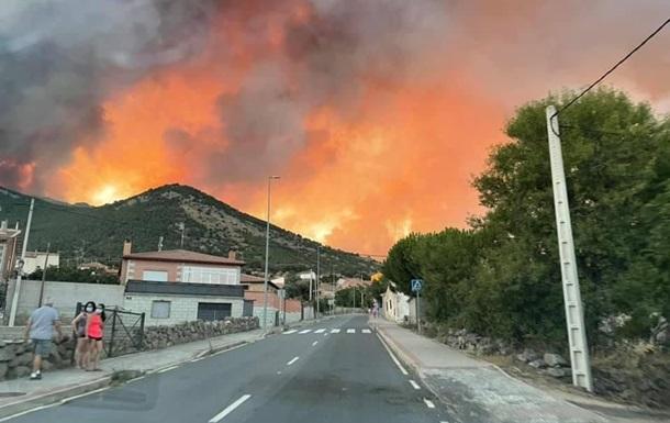 В Іспанії через пожежі евакуйовано сотні людей