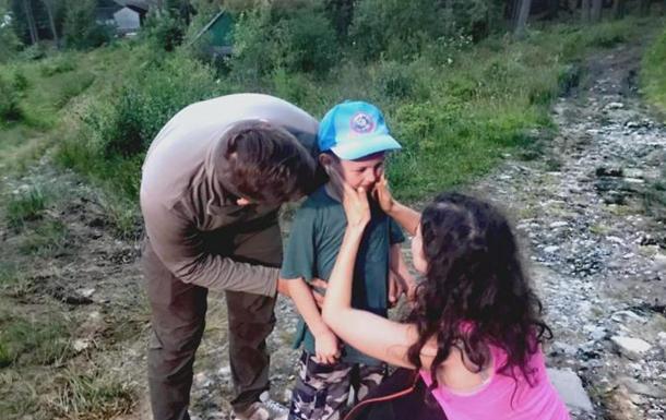 Заблудившийся в Карпатах мальчик рассказал, как скитался в горах