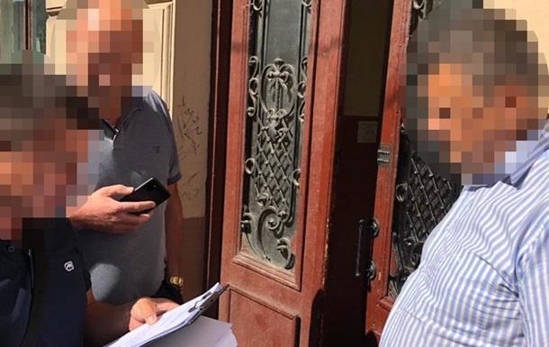 У Києві поліцейський більш як три роки отримував зарплату, але на роботу не ходив