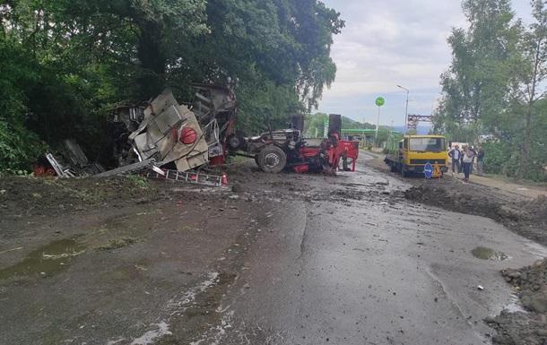 В Украине два авто ГСЧС попали в аварии
