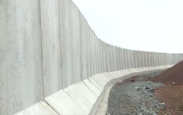Туреччина зводить стіну на кордоні через афганських біженців