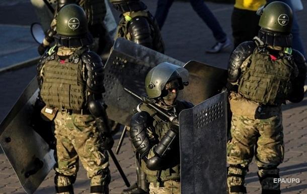 У Білорусі силовики обшукують п ятьох співробітників інформагентства