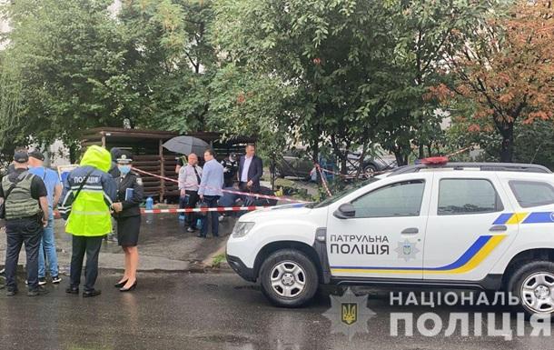 У Києві на вулиці побили та застрелили чоловіка
