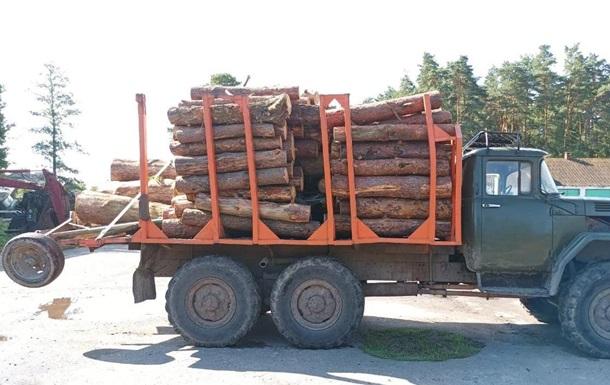 На Волині вчинили опір поліції через деревину