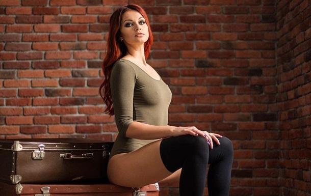 Українська шаблістка приміряла пікантний купальник