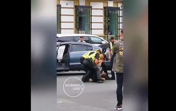 У Києві під час репетиції параду затримали озброєного чоловіка - ЗМІ