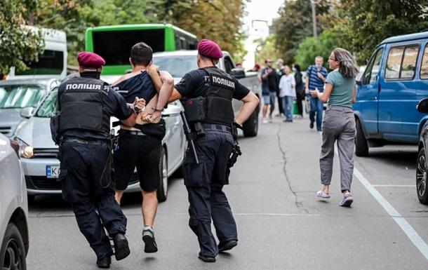 У Києві поліція затримала противників знесення  будинку Барбана