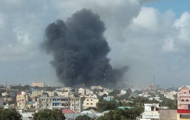 У столиці Сомалі п ятеро людей загинули під час вибуху біля офісу розвідки