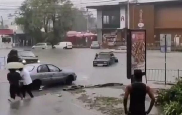 Сімферополь затопила потужна злива