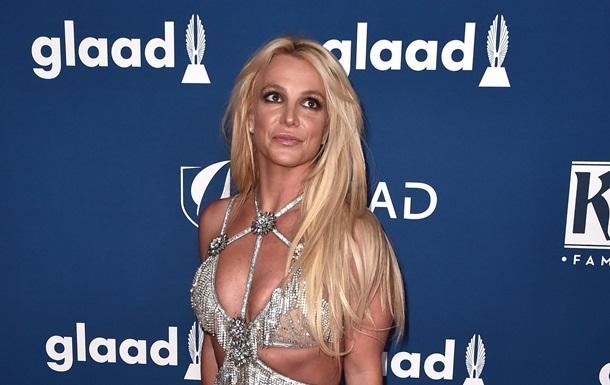 Бритни Спирс обвинили в нападении на домработницу