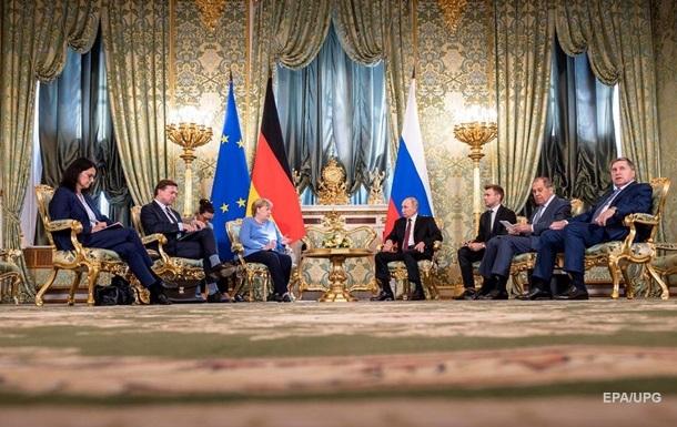 Путин и Меркель обсудили транзит газа по Украине