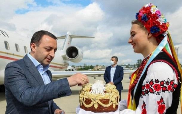 На саміт Кримської платформи прибувають учасники