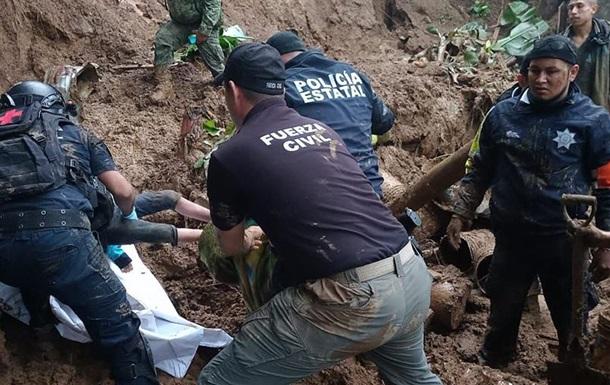 Ураган Грейс в Мексике унес жизни шестерых детей
