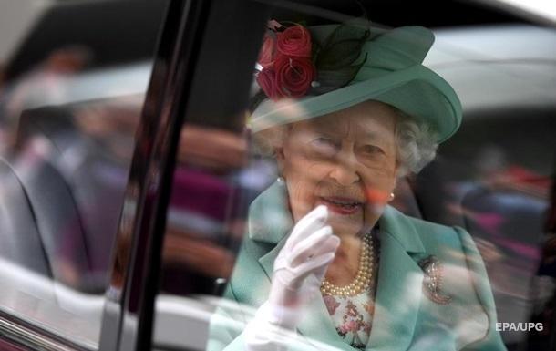 Елизавета II наймет адвокатов для защиты от Меган Маркл - СМИ