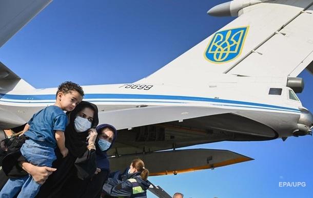 Евакуація з Кабула: вилетів український літак