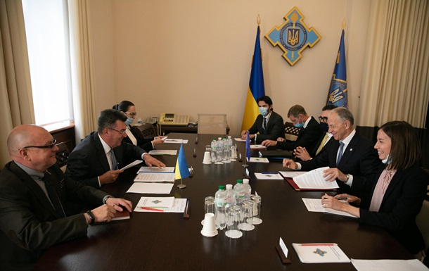 Крымская платформа: Данилов встретился с замгенсека НАТО