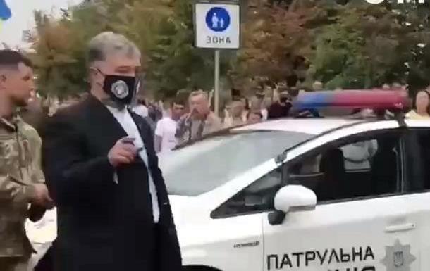 В Киеве Порошенко облили зеленкой