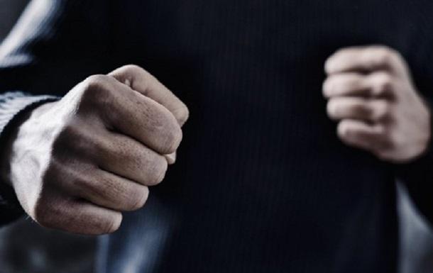 У Конотопі підлітки до смерті побили чоловіка