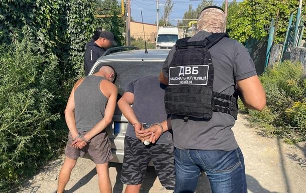 Жителів Одещини затримали за систематичні крадіжки з НПЗ
