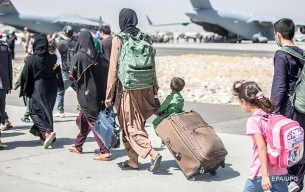Талібан  запевняє, що дозволить виліт із Кабула і після відходу США
