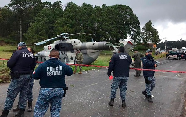 В Мексике упал вертолет ВМС