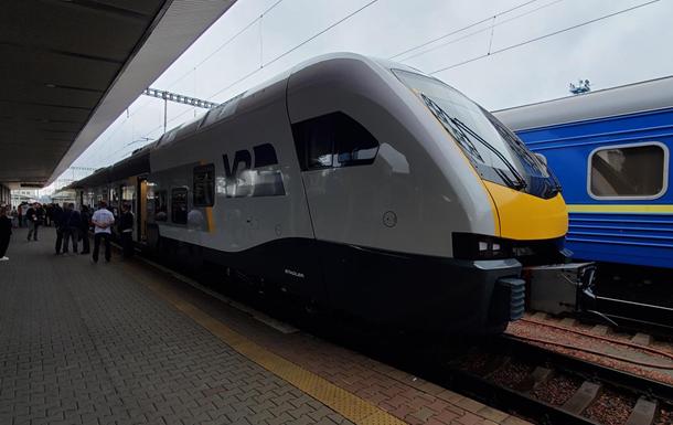 У Києві представили електропоїзд Stadler