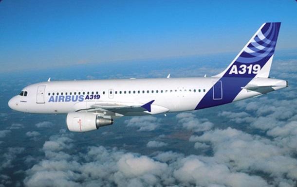 Летевший в Молдову самолет Зеленского сел в Одессе