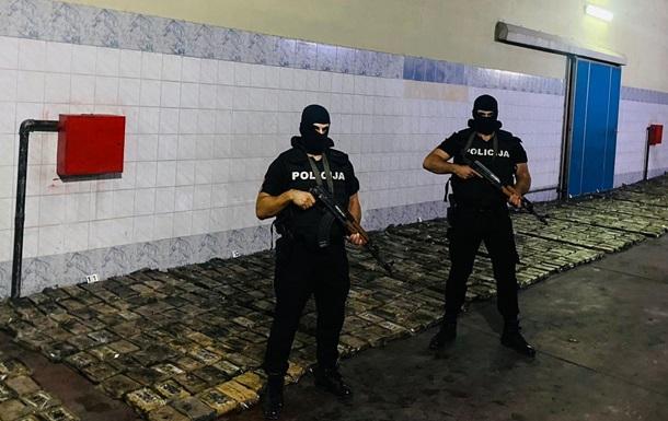 В Черногории выявили огромную партию кокаина с надписью COVID на пачках