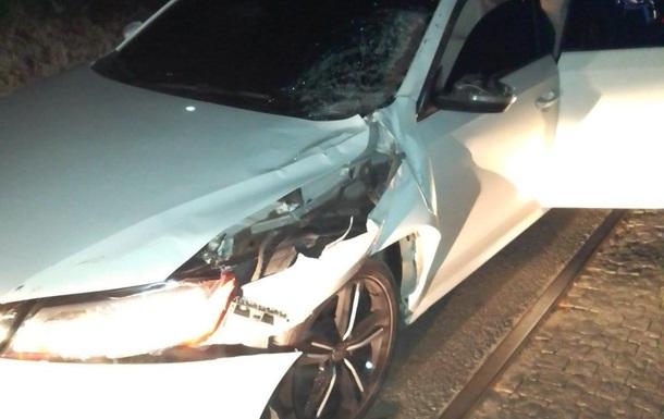 У Харкові авто збило жінку на коні
