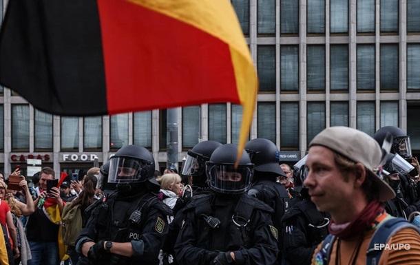 У Берліні тисячі людей протестували проти карантинних проти заходів