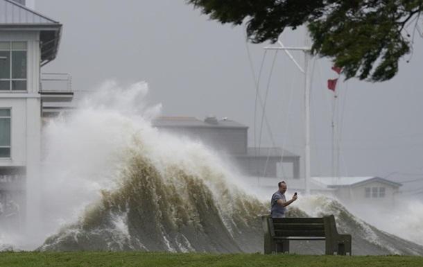 Південь США накрив один із найпотужніших ураганів