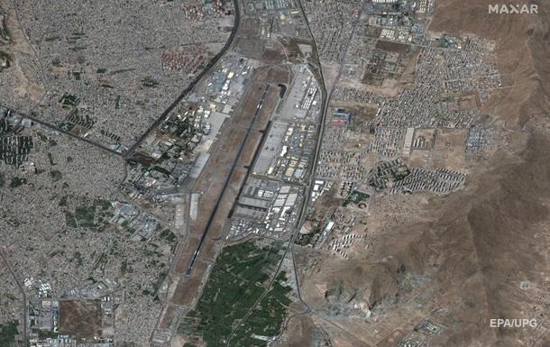 Аэропорт Кабула попал под ракетный обстрел - СМИ