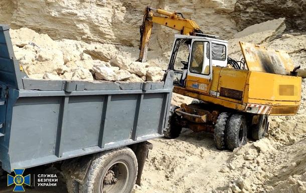 На Тернопольщине незаконно добывали песок в национальном парке