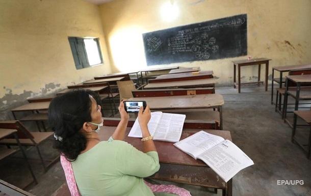 В Індії закривають школи через спалах невідомої лихоманки