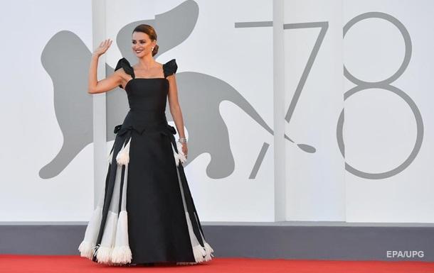 Открытие фестиваля в Венеции: самые яркие наряды