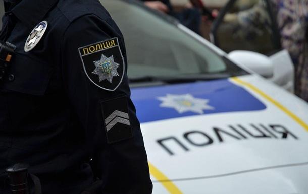 В Киеве в квартире мужчину смертельно ранили ножом и повезли в травмпункт