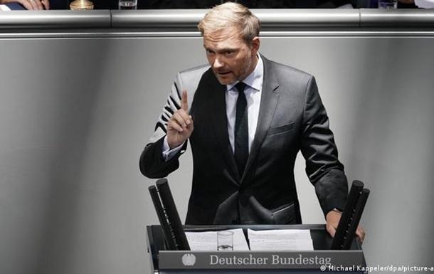 Лідер німецьких лібералів виступає за більш точкові санкції проти Росії