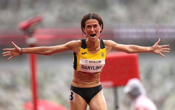 Данилина - вице-чемпионка Паралимпиады-2020 в беге на 1500 метров