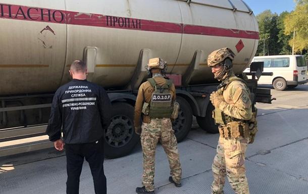 На Харківщині заблокували схему поставки контрафактного палива з РФ