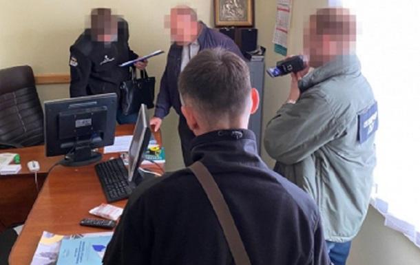 На Волинській та Рівненській митницях викрито корупційні схеми