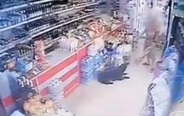 У Миколаєві відкрили справу на чоловіка, що застрелив собаку на ринку