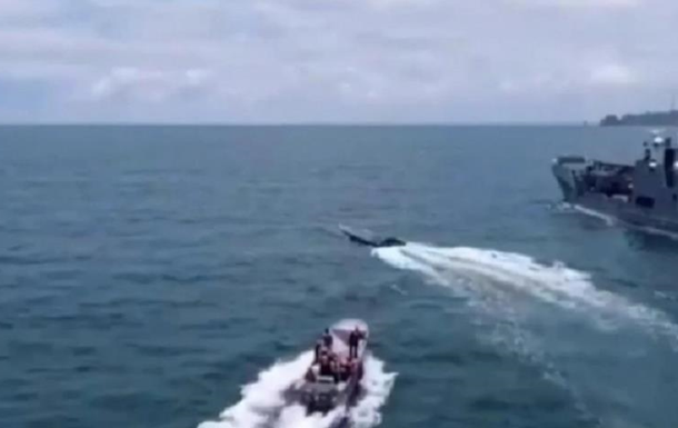 В Колумбии задержали субмарину с двумя тоннами кокаина