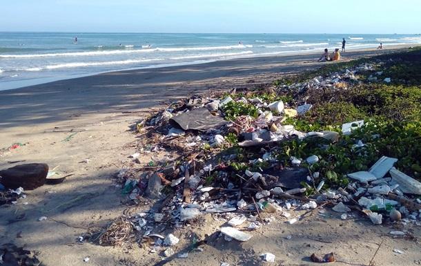 Через 20 років пластику в океанах буде втричі більше - ООН